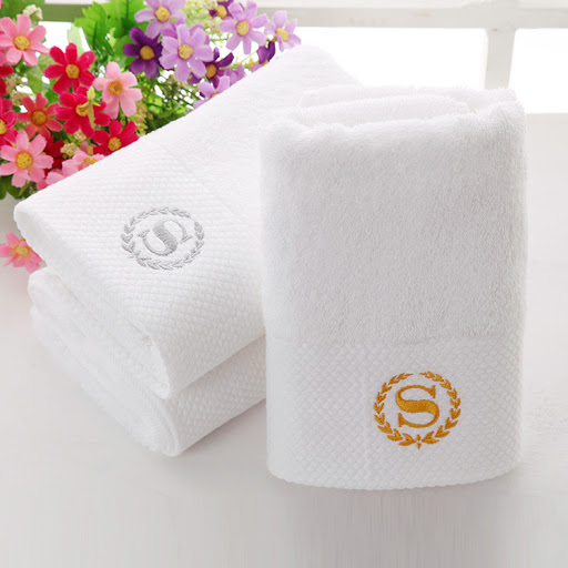 Khăn tắm trắng